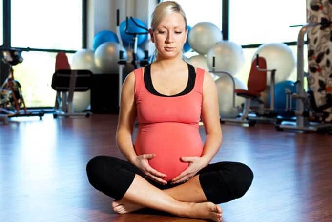 Можно ли беременным заниматься фитнесом в стиле йога